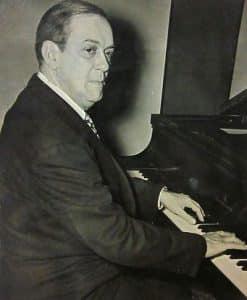 Lecuona al piano