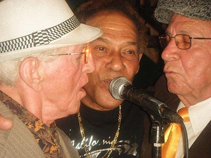 Orestes Macías, Armandito y Ricardito cantando