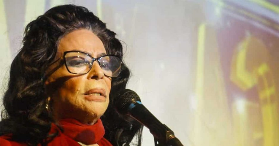 Olga Navarro es la estrella y anfitriona del show Tardes Bohemias en el cabaret Las Vegas