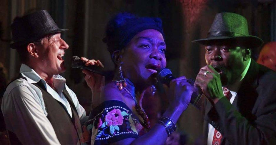 Collage de los tres ganadores del concurso televisivo de canto Todo el Mundo Canta