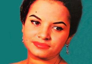 Blanca Rosa Gil cantante de boleros
